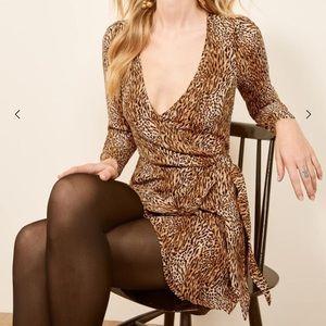 SALE.NWOT Reformation Brooke Wrap Dress